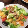 【沢村(SAWAMURA)/NEWoMan】で贅沢サラダランチ!大満足サラダと食べ放題のパンが美味しい!