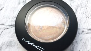 【MAC】定番人気ハイライト、ライトスカペードでツヤ肌になる!ペカッと光るのに不自然じゃない仕上がり